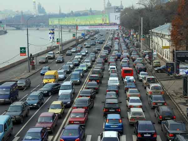 Дорожное движение в Москве.