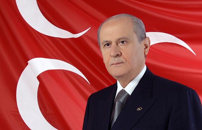 Лидер правой Партии националистического движения Девлет Бахчели.