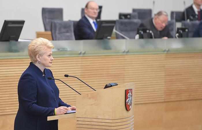 Президент Литвы уклоняется от обязательств— политолог