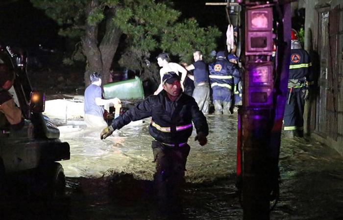 В Тбилиси продолжаются работы по преодолению последствий стихии