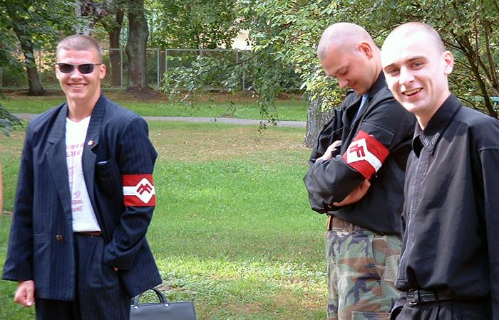 Лидер VL-ТБ/ДННЛ Райвис Дзинтарс (слева).