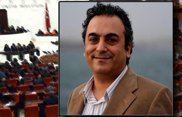 Журналист Маркар Есаян.