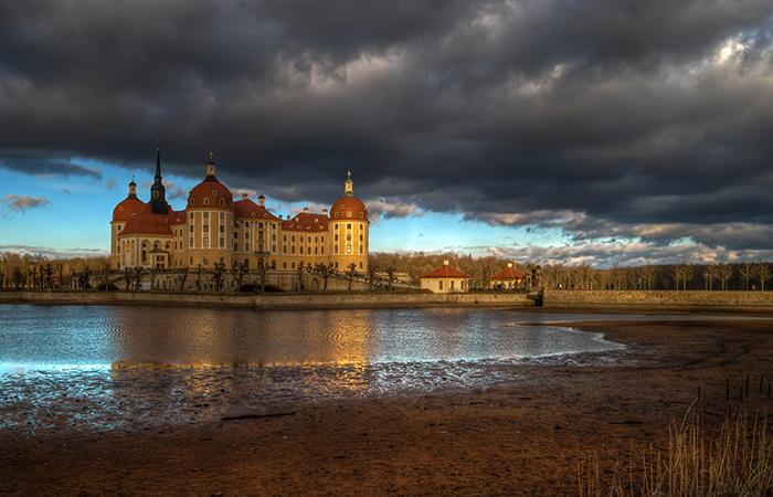 Замок Морицбург, Саксония.