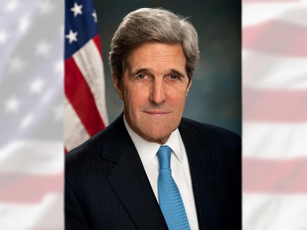 Власти США поздравили граждан РФ с Днем России через госсекретаря Керри