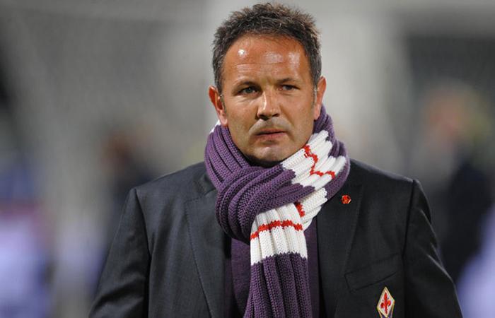 Сербский футболист и тренер Синиша Михайлович.