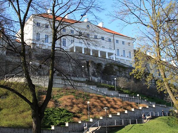 Эстония официально против обязательной квоты ЕС на прием беженцев