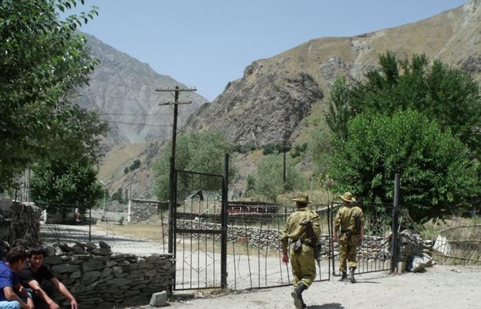 Эмир Катара помог освободить таджикских пограничников из талибского плена