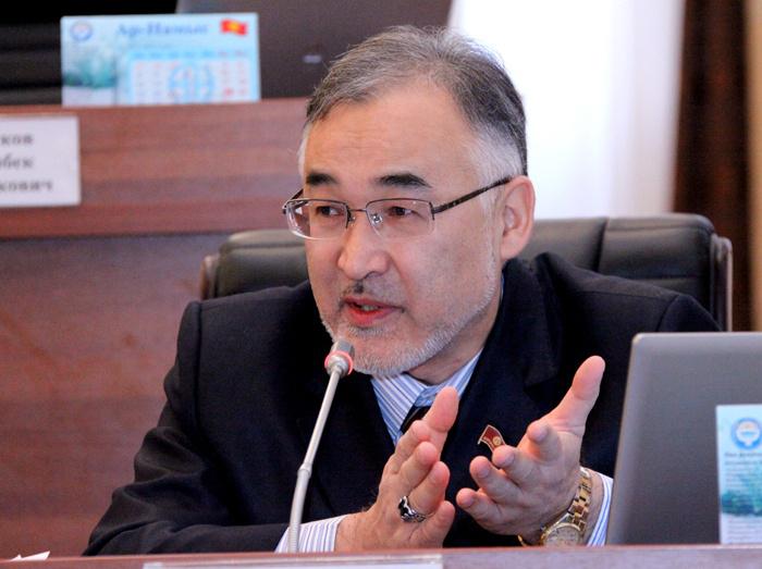 Депутат Жогорку Кенеша Киргизии Турсунбай Бакир уулу.