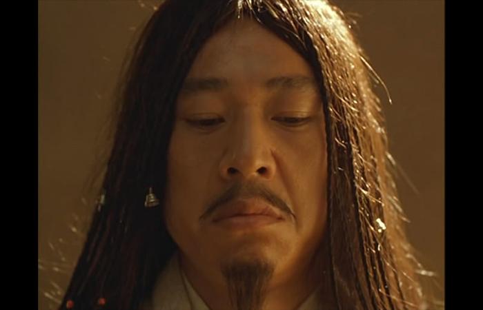 Кадр из фильма «Император и убийца» (реж. Ч. Кайге, 1998)