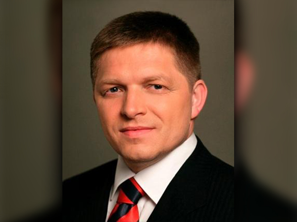 Премьер-министр Словакии снова призвал к отмене санкций ЕС против РФ