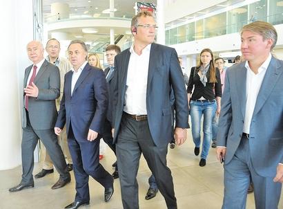 Генеральный секретарь FIFA Жером Вальке и министр спорта РФ Виталий Мутко в Самаре (фото samregion.ru)