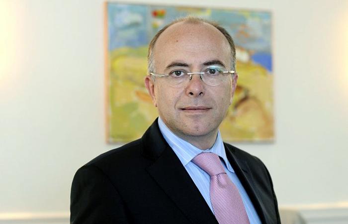 Глава МВД Франции Бернар Казнёв.
