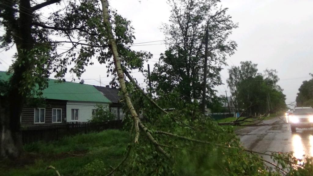 Во время урагана в Ульяновской области пострадало 23 населенных пункта