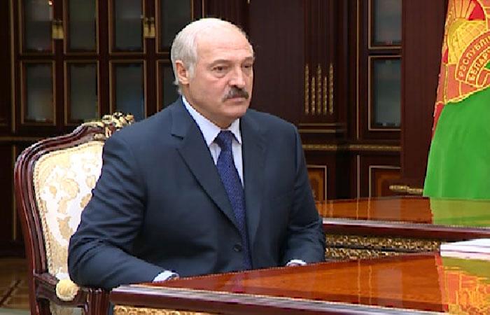 Лукашенко: «Армия нужна такая, чтобы никто не мог косо посмотреть на нас»
