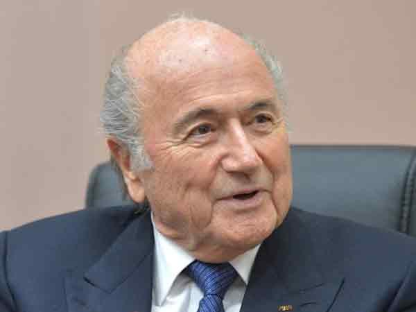 Вновь избранный президент ФИФА Йозеф Блаттер заявил, что уходит в отставку