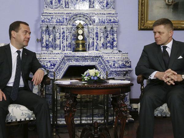 Медведев: РФ рассмотрит предложение Словакии по Eastring
