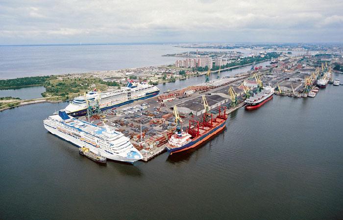 Морские порты РФ увеличили перевалку грузов на 4,4%