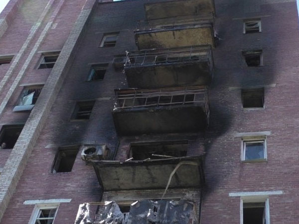 Донецк под обстрелом: 4 мирных жителя ранены, разрушены 10 домов