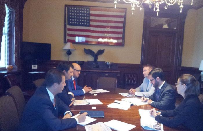 Встреча представителей администрации президента Украины с представителями Белого дома.