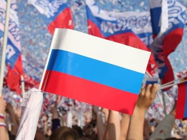 День России, круглосуточные полеты и ЕГЭ – Ростовская область за выходные
