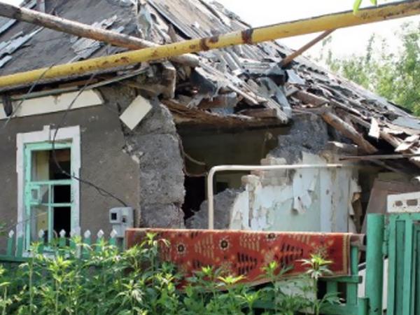 Донецк под артобстрелом, ранены трое мирных жителей