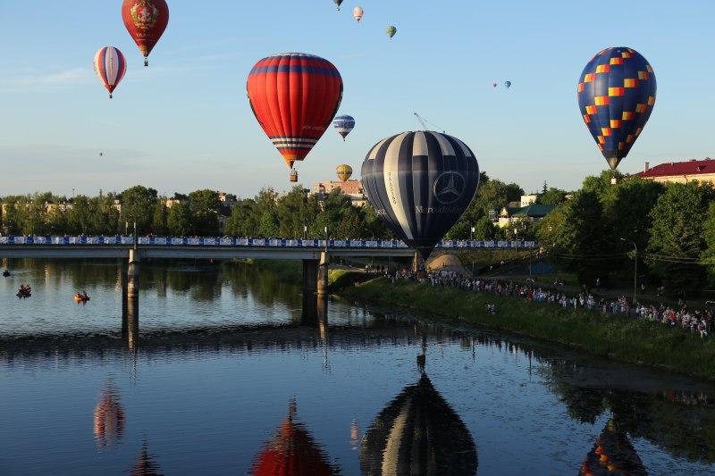 В псковских Великих Луках открылась международная встреча воздухоплавателей