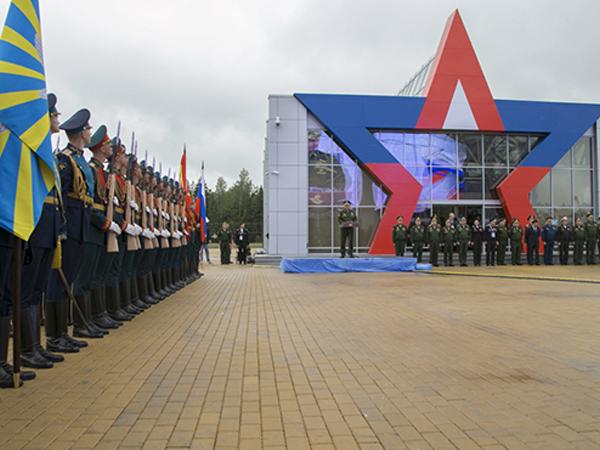 На форуме «Армия-2015» представят более 100 образцов военной техники