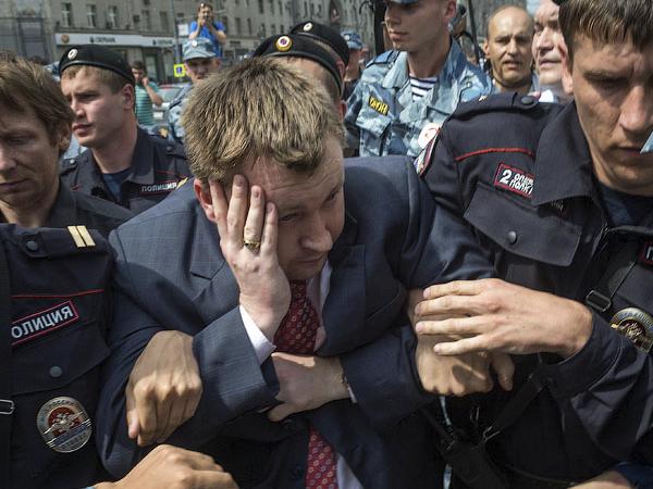 Основатель движения московского гей-парада Николай Алексеев