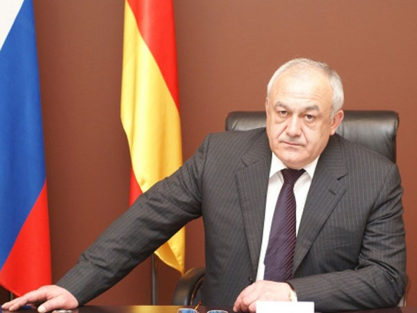 Глава Северной Осетии Таймураз Мамсуров.
