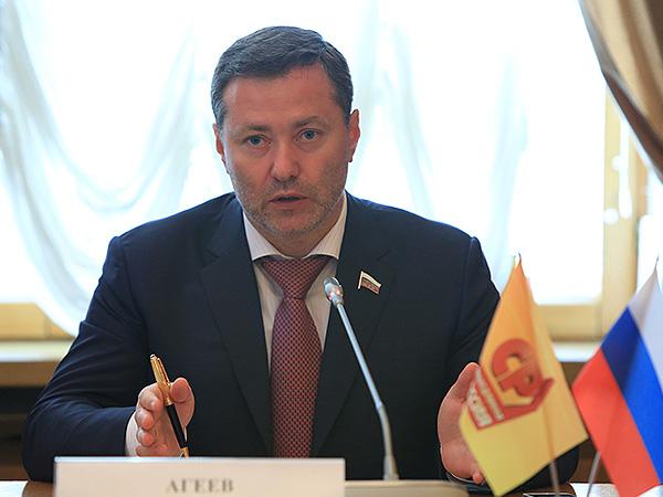 Зампред комитета Госдумы по конституционному законодательству и госстроительству Александр Агеев.