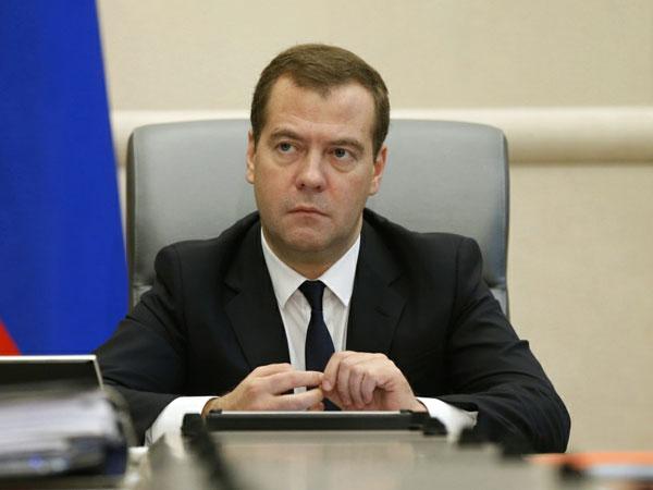 Медведев: Свободный порт Владивосток должен стать ведущим центром АТР