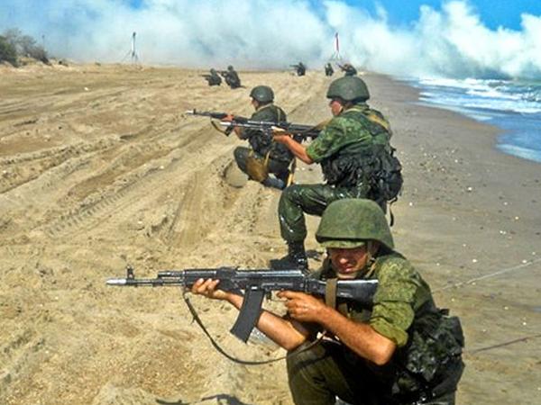 На Каспийской флотилии проведена проверка боеготовности морской пехоты
