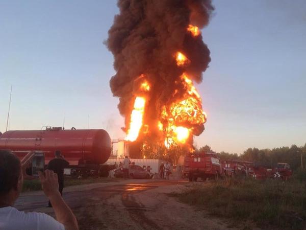 На нефтебазе под Киевом прогремел новый взрыв