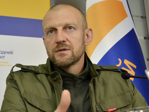 Замглавы фракции «Народного фронта» в Верховной раде Андрей Тетерук.