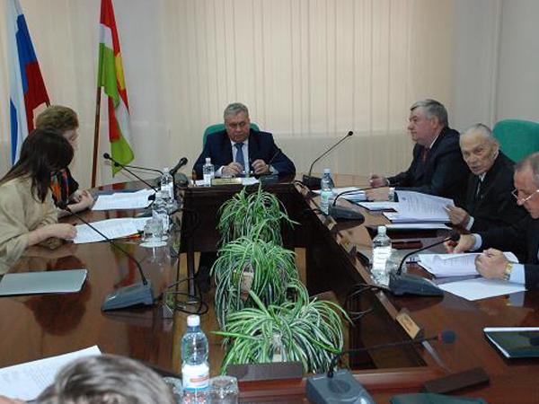 Калужский облизбирком получил документы от первых кандидатов в губернаторы