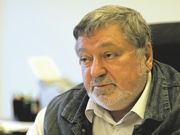 Исполнительный директор Театра на Литейном Борис Мездрич.