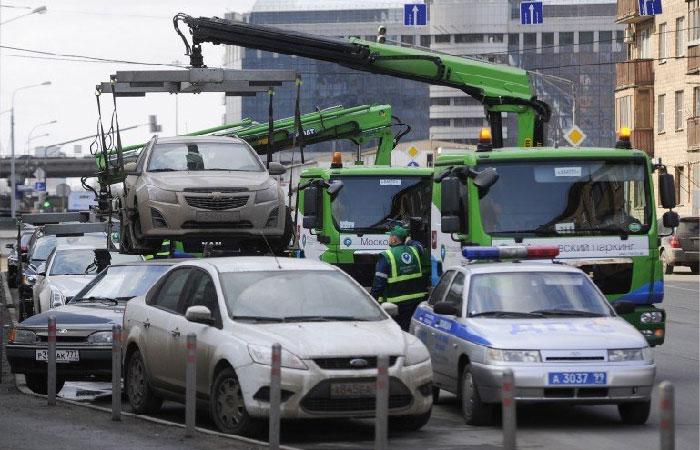 ФСТ привяжет цену эвакуации к массе автомобиля