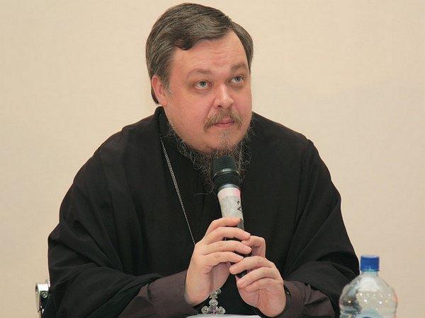 Председатель Синодального отдела по взаимоотношению Церкви и общества Русской православной церкви протоиерей Всеволод Чаплин.