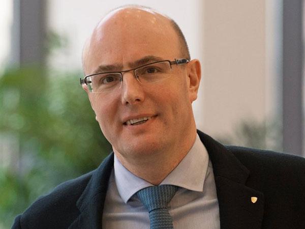 Председатель правления холдинга «Газпром-Медиа», президент Континентальной хоккейной лиги Дмитрий Чернышенко.
