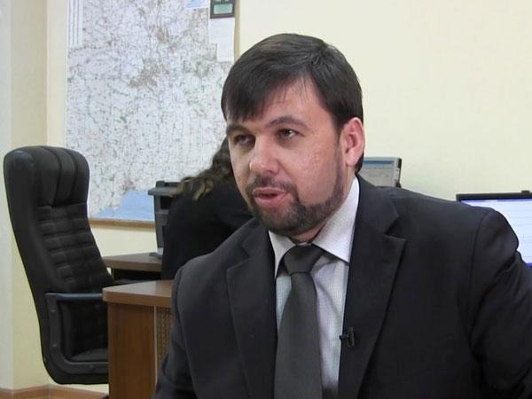 Полпред ДНР на переговорах в Минске Денис Пушилин.