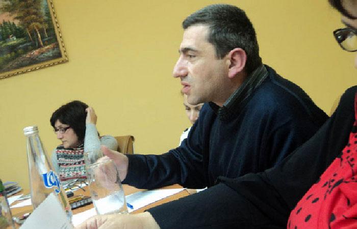 Давид Карабекян - независимый аналитик .