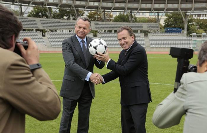 На фоне коррупционного скандала в американский прокат вышел фильм о ФИФА