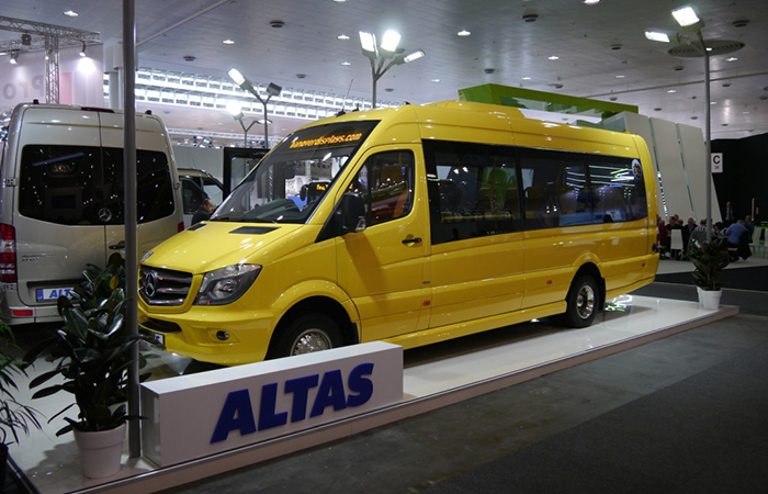 В Литве открылся крупнейший в Прибалтике завод по сборке микроавтобусов
