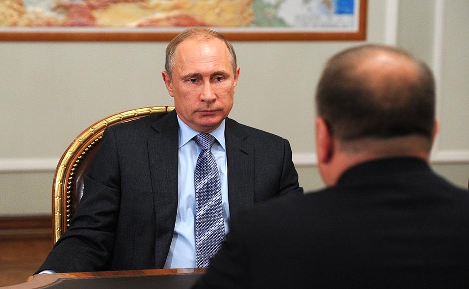 Владимир Путин принял досрочную отставку Николая Цуканова