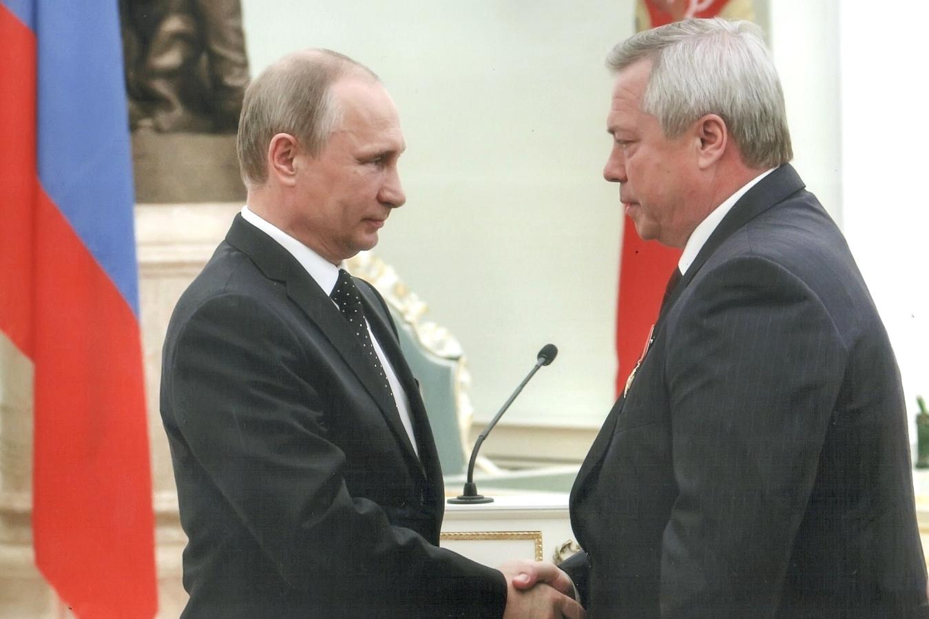 Владимир Путин и Василий Голубев. Фото: Официальный портал Правительства Ростовской области