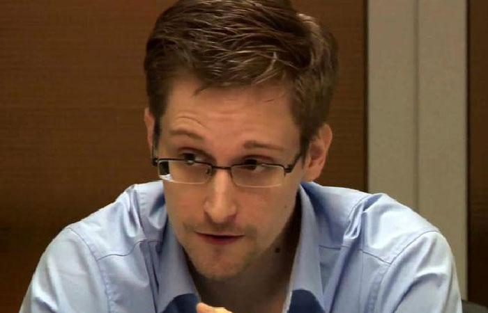 Эдвард Сноуден - американский технический специалист, бывший сотрудник ЦРУ и Агентства национальной безопасности США