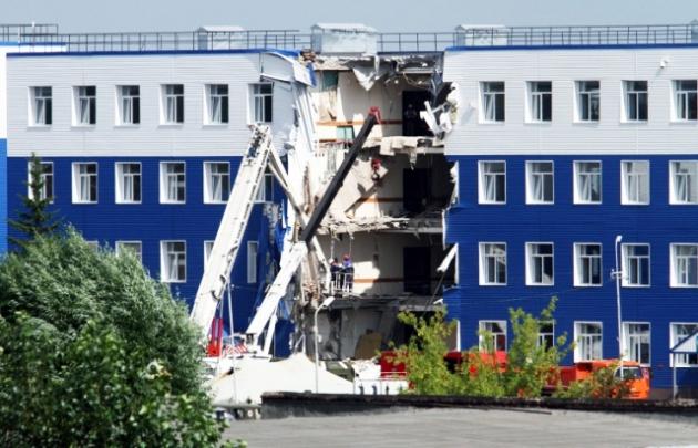Шойгу раскрыл причины обрушения казармы в Омске