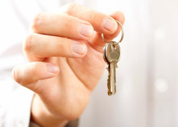 По программе переселения ключи от новых квартир вручили 34 курским семьям