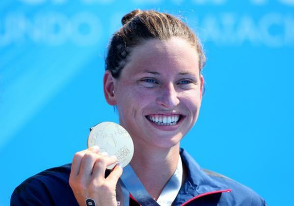 Первое золото ЧМ по водным видам спорта в Казани досталось американке