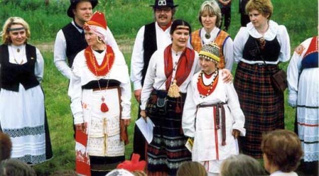Фотографии из архива этнографа, члена Общественной палаты Ленобласти, директора Центра коренных народов Ленобласти Ольги Коньковой.